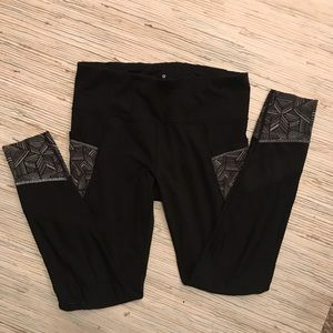 Athleta workout leggings with pockets